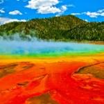 グランド・プリズマティック・スプリング|異世界を思わせる虹色の泉
