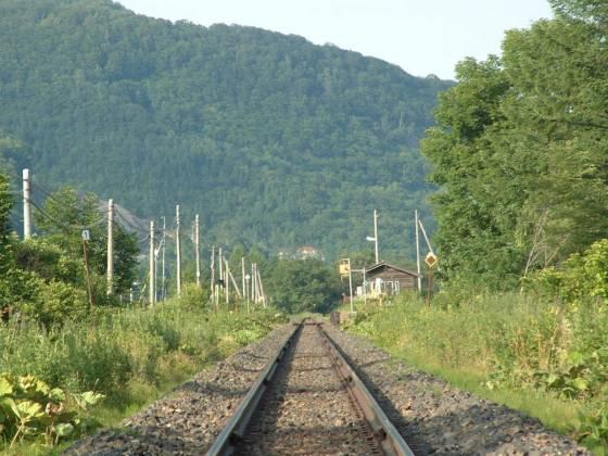 石北本線の線路と旧白滝駅 2003年撮影