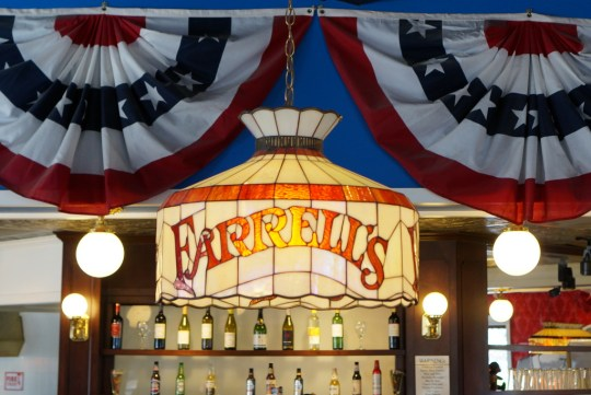 Buena Park: Farrell's Ice Cream Parlor