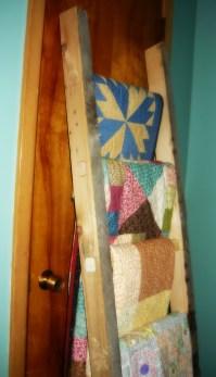 DIY Ladder Quilt Rack! | Woodworker's Wife