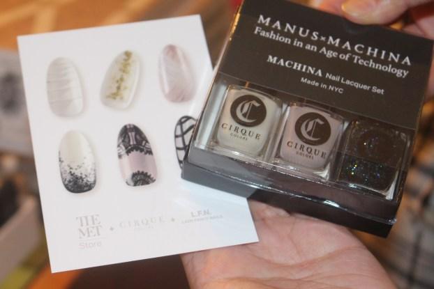 NTB ManusMachina Met Nail Art10