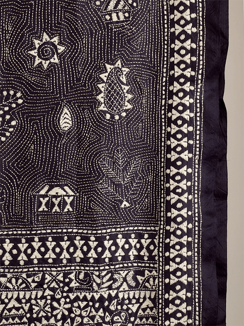Patterns on Warli Scarf