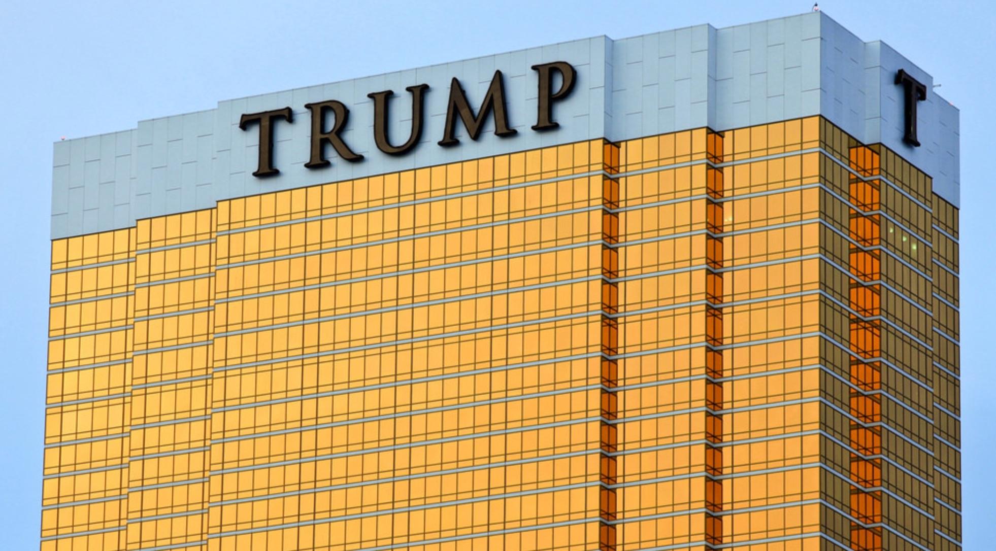 Donald Trump launches a NEW hotel chain | No Mas Coach!