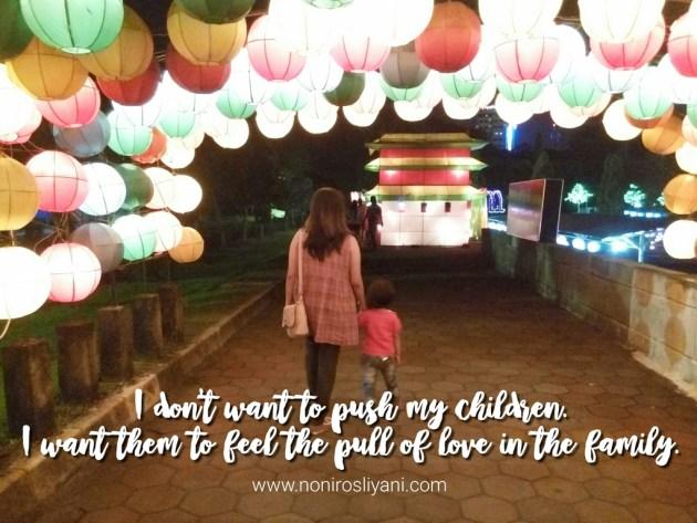 Jangan Memaksa Anak Bersalaman