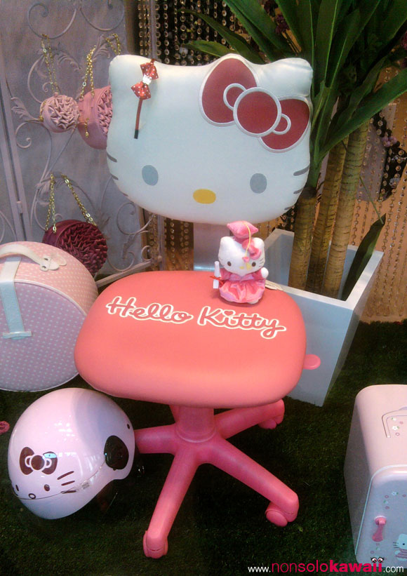 Sedia Salone Del Mobile Milano Hello Kitty Store In San Babila, Milano ¤ Non Solo Kawaii