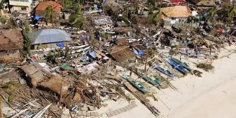 filippine_uragano_Mans Unides