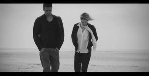 """Musikvideo zu """"Next To You"""" veröffentlicht"""