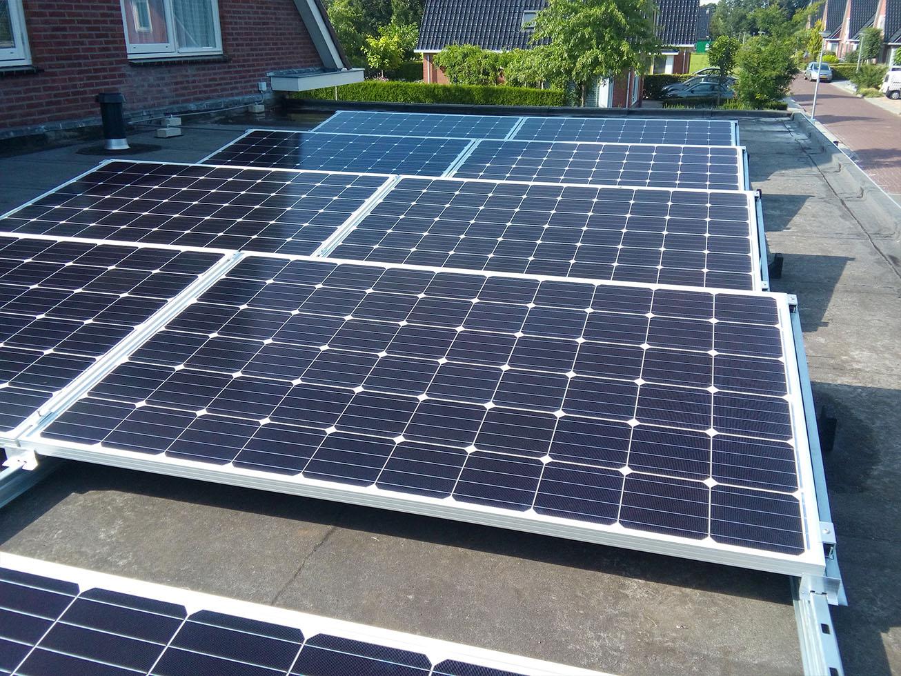 Zonnepanelen platdak mijn energiefabriek zonnepanelen op bitumen