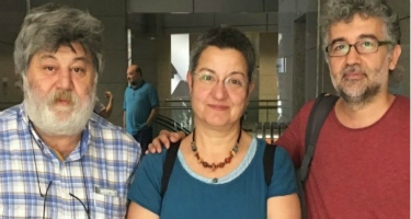 3 journalists arrested