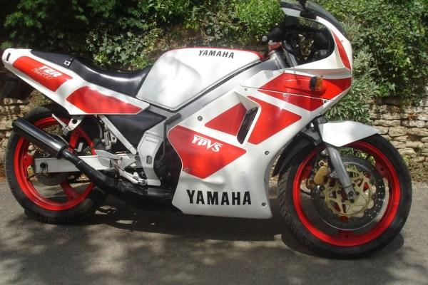 Yamaha_TZR250_2MA