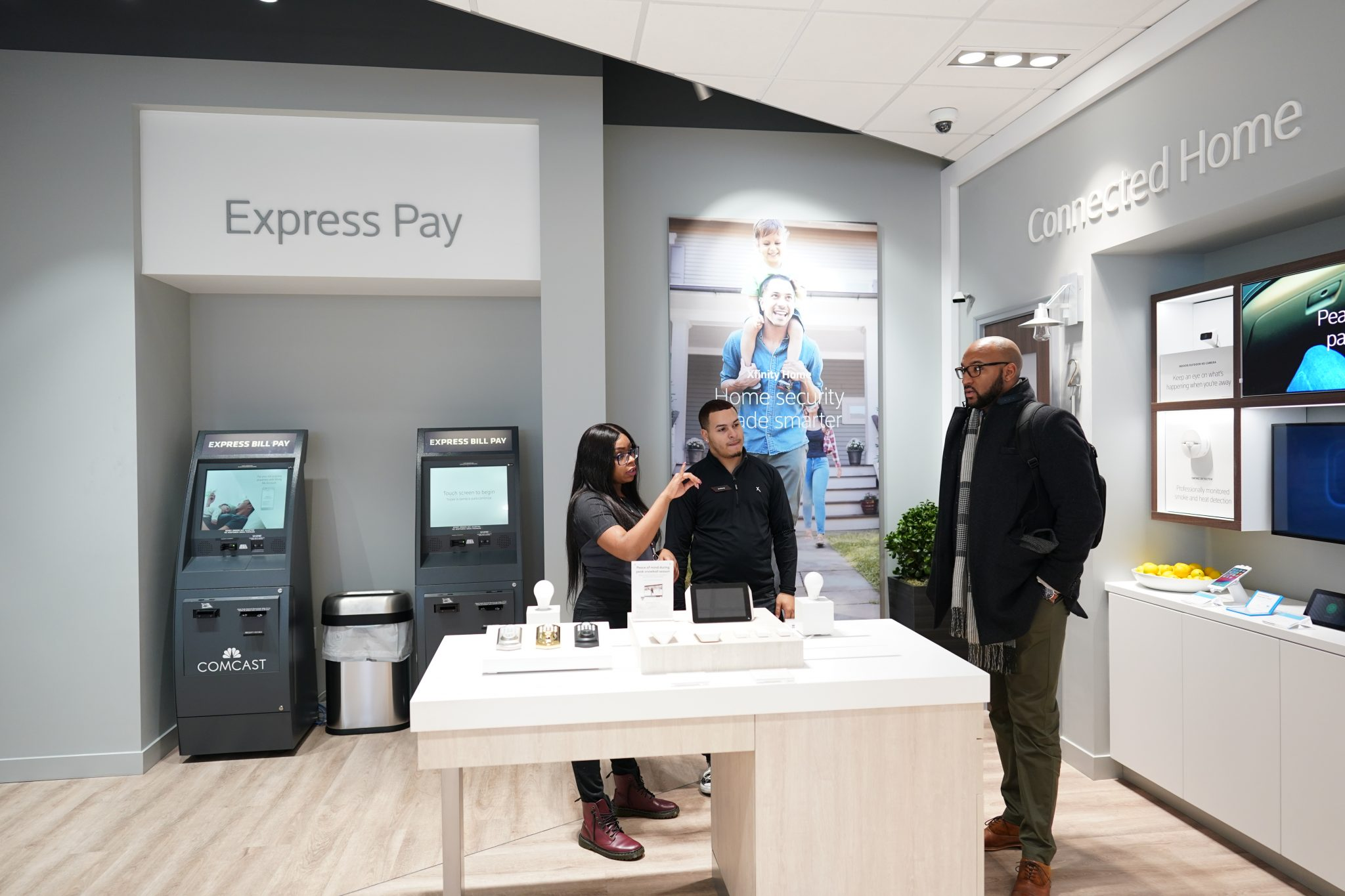 Xfinity Comcast Opens Retail Store At Northeast Tower Center Northeast Times
