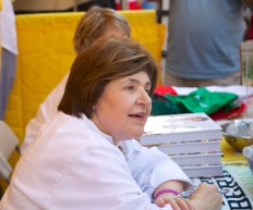 Caio Italia Celebrity Chef, Mary Ann Esposito Signs Books at St. Anthony's Feast