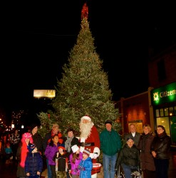 A crowd gathers for the lighting of the Cross Street Christmas tree.