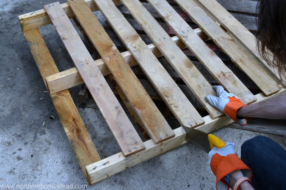 Building An Easy Pallet Deck Northern Homestead