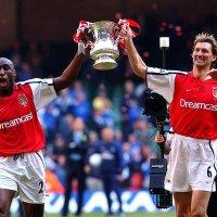 Tony-Adams-Arsenal-FA-Cup-2002_1427634