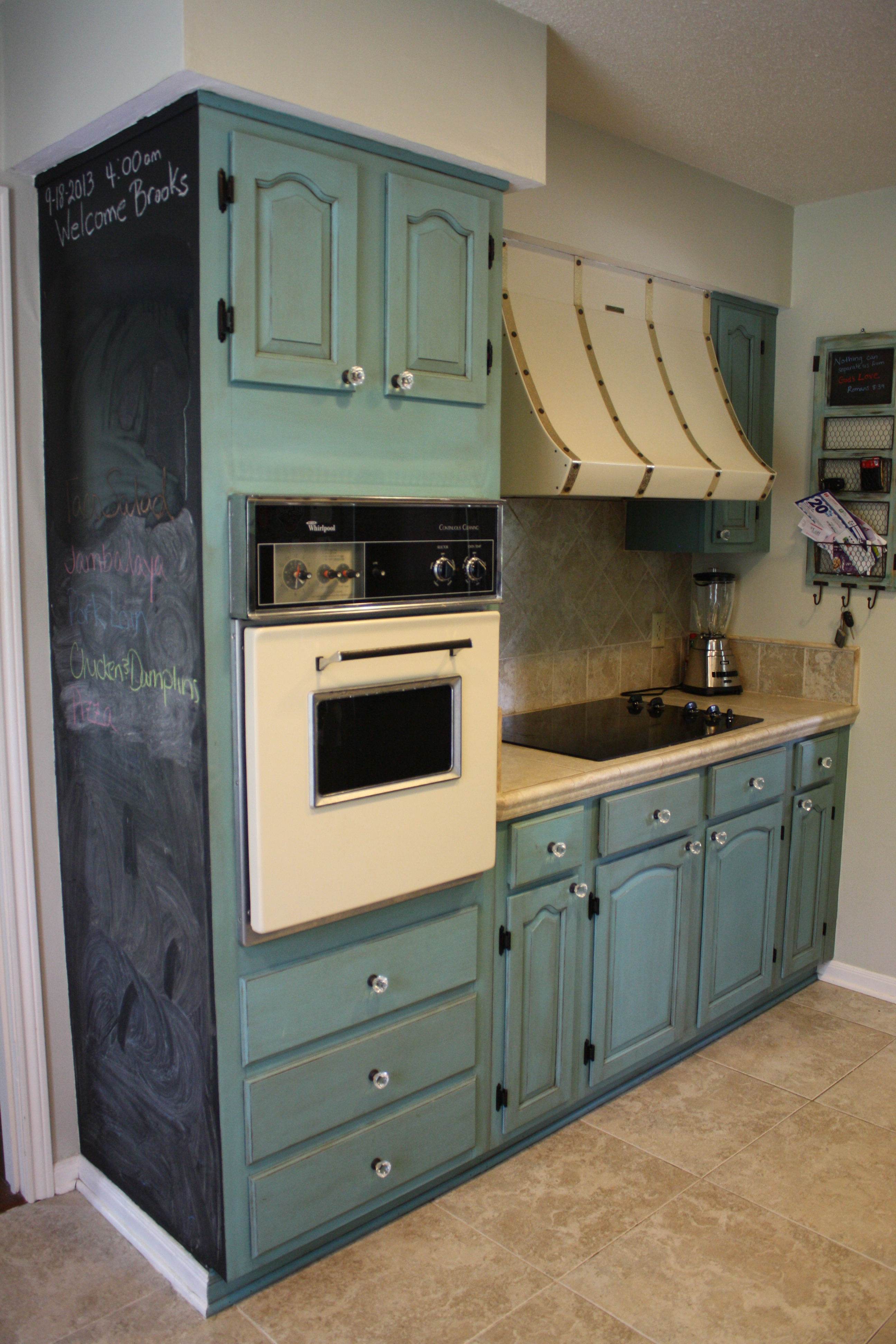 Images Of Painted Kitchen Cabinets Painting Kitchen Cabinets With Annie Sloan Chalk Paint