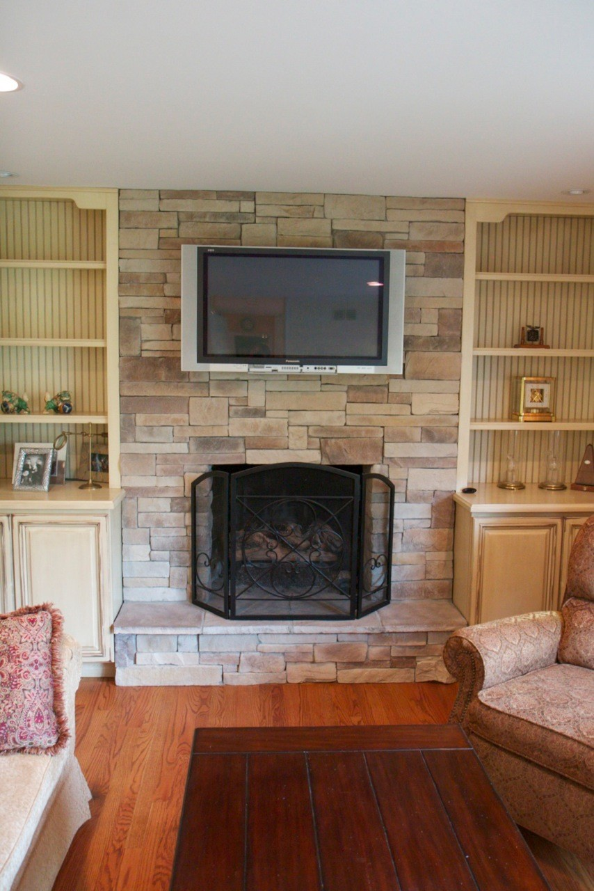 Mountain Stack Stone Veneer Fireplace Surrounds
