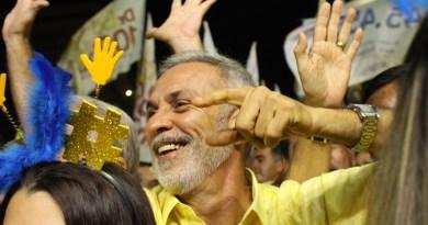 Paulo Roberto lidera pesquisas em Vitória, mas cenário é de empate