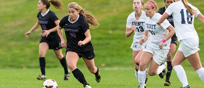 Hannah Guzzi '18 lit up the scoreboard three times this weekend for Amherst (Courtesy of Amherst Athletics).