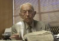 Harold Camping, pastor evangélico que errou três vezes a data do fim do mundo, se aposenta aos 90 anos
