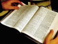 Nova versão do Novo Testamento é lançada para incentivar as pessoas que não leem a Bíblia