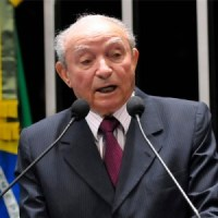 Bispo Manoel Ferreira completa 80 anos de idade; Pastor Marco Feliciano discursa na Câmara congratulando o líder da Assembleia de Deus Madureira