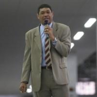 Após ser retirado do ar pelo Canal 21, Valdemiro Santiago pede indenização de R$ 200 milhões