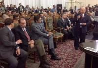 Pastor José Wellington recebe Aécio Neves em reunião de líderes da Assembleia de Deus e fiéis criticam uso da igreja