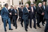 Vinte e seis líderes mundiais se unem contra terroristas do Estado Islâmico em reunião em Paris