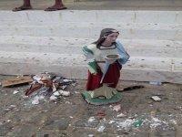 Mulher invade templo católico e quebra imagens de santos dizendo que era ordem de Deus