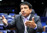 Senador Magno Malta comemora recuo da Globo sobre cenas de prostituição em Babilônia; Assista
