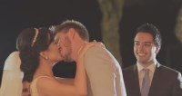Casal escolhe trocar primeiro beijo no altar e vídeo supera 1 milhão de visualizações; Assista