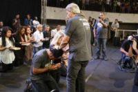 Após polêmicas, Thalles Roberto e esposa são apresentados como pastores da Igreja Renascer