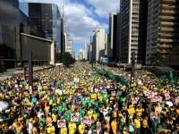 3,6 milhões de pessoas nas ruas pelo impeachment de Dilma; Malafaia foi vaiado no DF, diz jornal