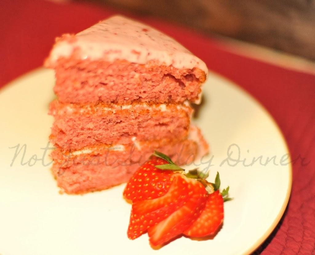 Old-Fashioned Strawberry Jello Cake
