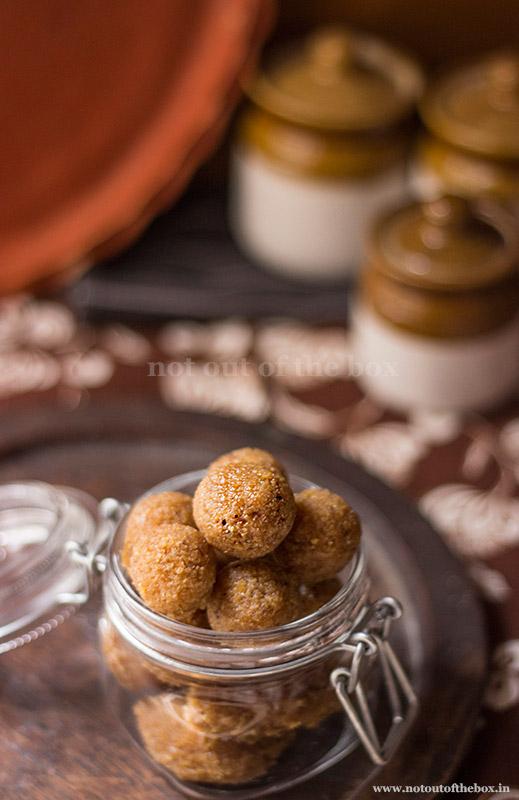Gurer Naru/Coconut Jaggery Laddoo