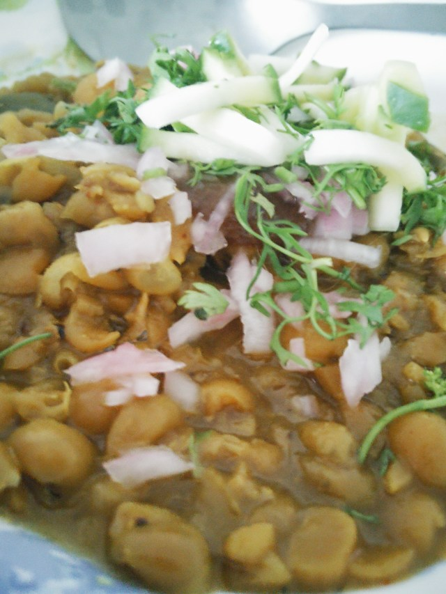 Indian Chaat Ragda Pattice--best had with a dollop of tamarind-jaggery chutney