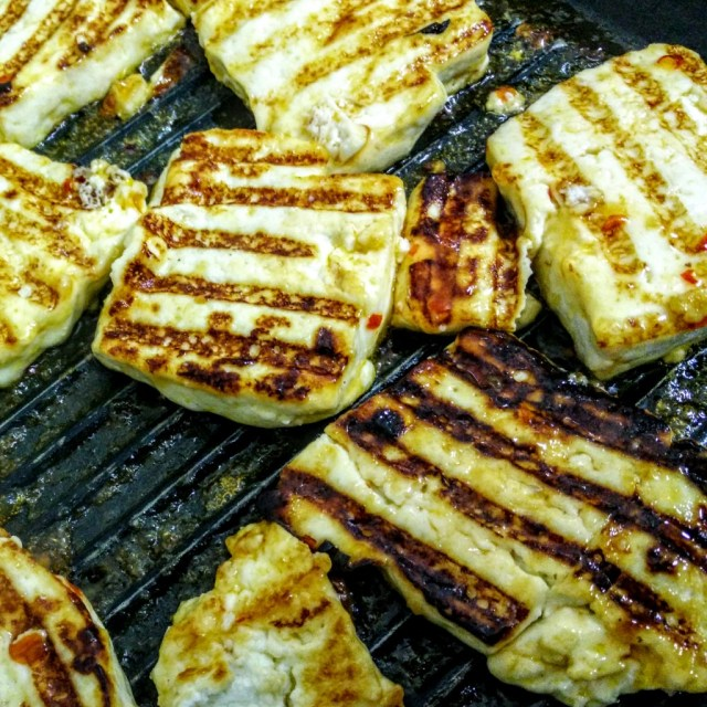 The sticky sauce on the charred paneer