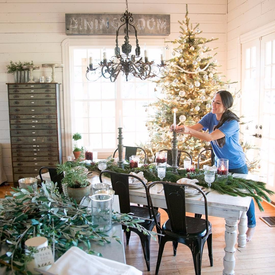 Joanna Gaines Farmhouse Mantel Christmas Decorating Ideas From Joanna Gaines Novero