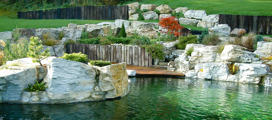 Construire Un Pont En Bois Exterieur Realization Of Ornamental Ponds And Natural Pools