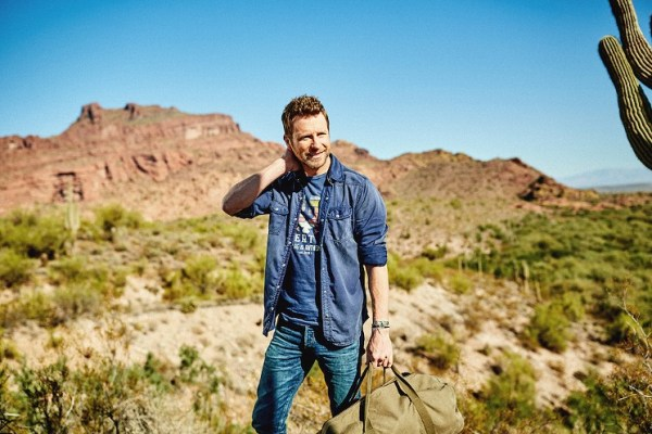 desert-son-flag-anthem-dierks-bentley