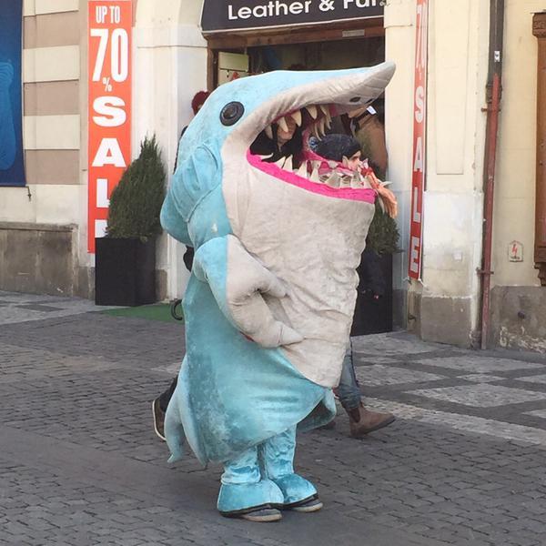 NowNews : Katy Perry lanzará traje oficial de su tiburón. - Now ...