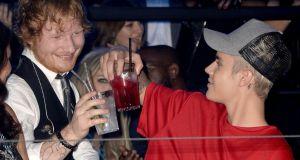 #NowNews: ¡ Así fue como Ed Sheeran agredió a Justin Bieber !