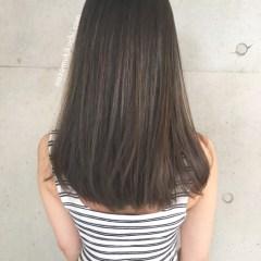 イルミナカラーで暗めでも外国人風な髪色にしたストレートのセミロング2