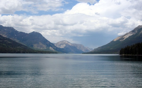 34 - waterton lake