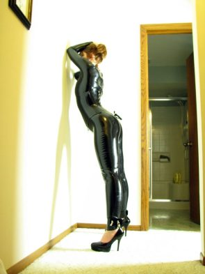 latex wall stand