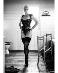 Stefania Ferrario in stockings