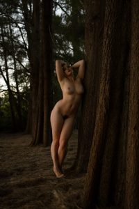 Stefania Ferrario nude by tree