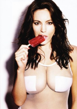 Kelly Brook – nipple patches