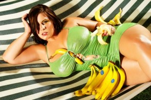 london andrews with bananas